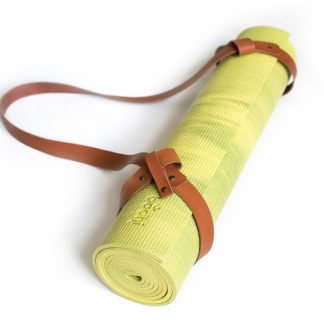 groene yogamat met strap cognac