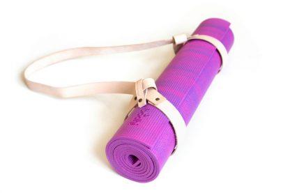roze yogamat met strap nude