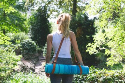 blauwe yogamat met strap combi