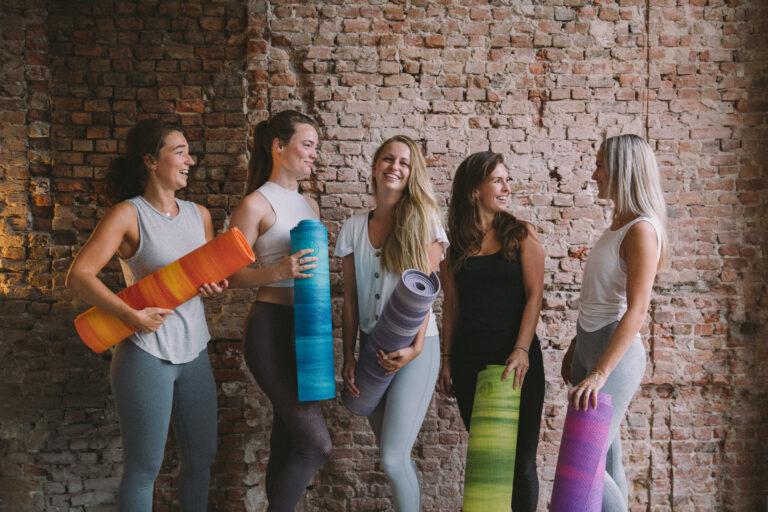 Yoga en pilates docente bij Yogaschool Studio flow Breda